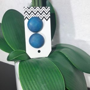 Jewelry - WOODEN PAINTED STUD